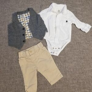 Oshkosh and cat and Jack boys outfit 0-3 months